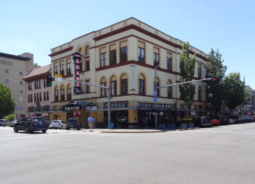 Salem's Historic Grand [property image]